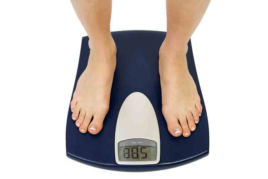 weight-feet-on-scales-small
